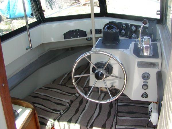 2011 Boston Whaler 255 Conquest Boat.