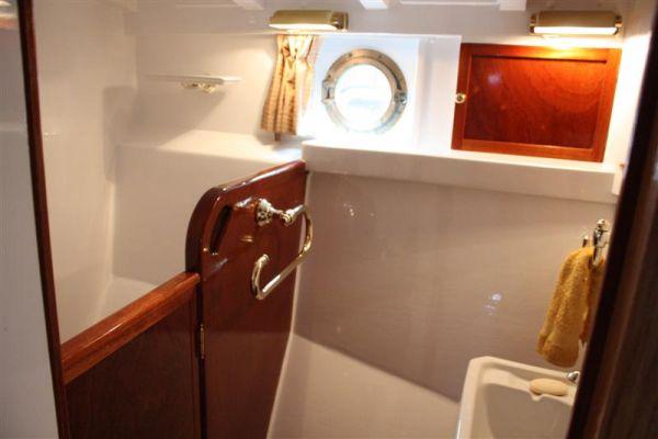 Silver 64 guest cabin 2