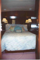 1987 55' Hatteras Convertible for sale - Master Stateroom
