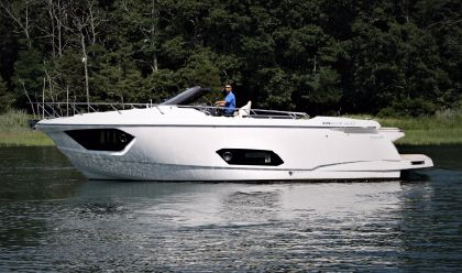 boats for sale new used boat and yacht sales yachtworld uk