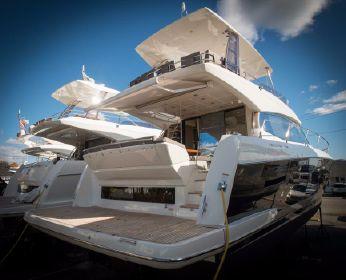 Prestige Yachts 550 Flybridge