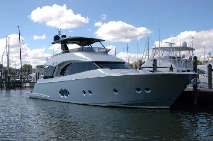 Monte Carlo Yachts 65 Flybridge